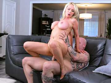 Full-bosomed MILF Nikki Benz with big ass seduces plumber and rides his cock