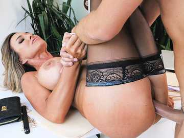 Aubrey Black got her shaved cunt banged well by Keiran Lee in the office