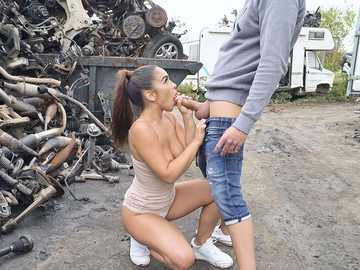 Latina Ginebra Bellucci and her boyfriend found an abandoned place to get off in