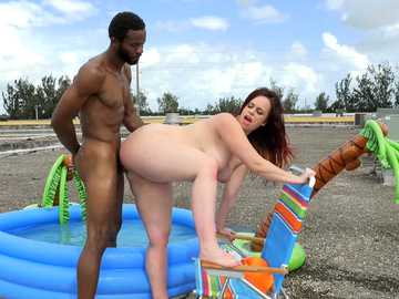 Fat slut Virgo Peridot shares her shaved pussy in interracial outdoor scene