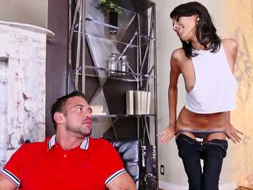 All natural Janice Griffith visits married man Johnny Castle and seduces him easily