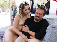 Teen beauty Goldie Rush poses for the old artists and gets pussy licking